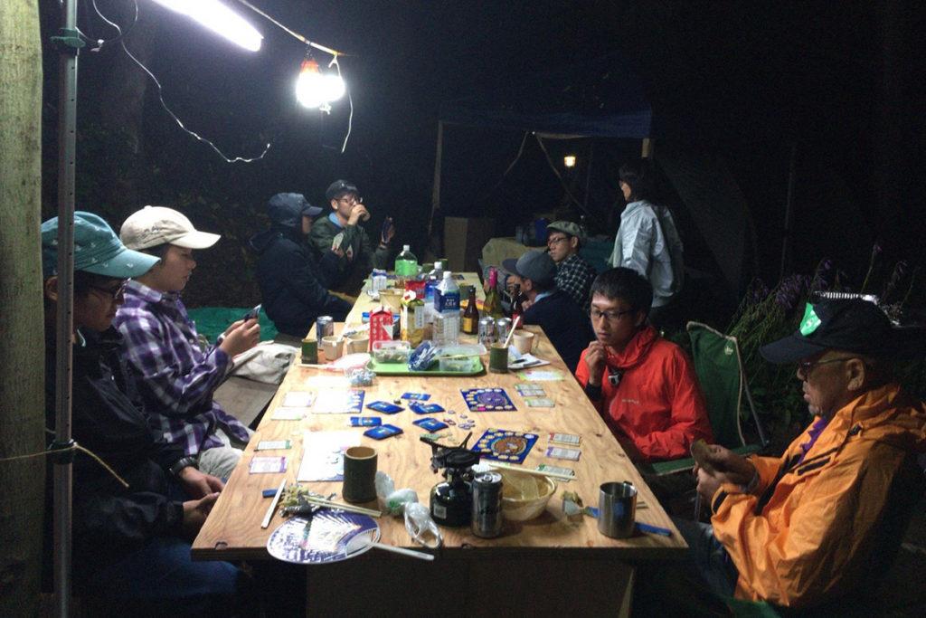 あそびのもりのキャンプ、夜にアチーバスに挑戦